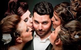La monogamia è solo temporanea. Siamo traditori per natura.