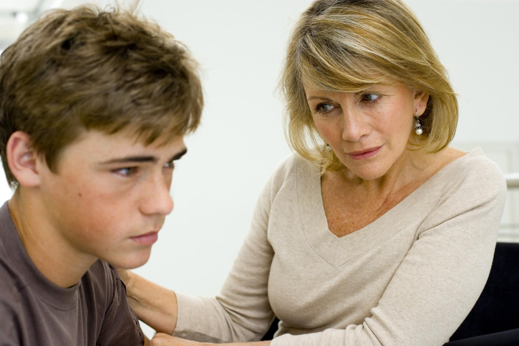 Genitori Vs Figli. Le frasi della manipolazione affettiva